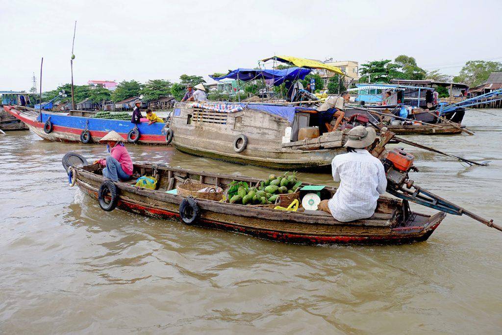 Marché flottant, delta du Mekong - Vietnam © Marlène Genet