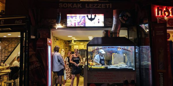 Épicé Balık Dürüm à Karaköy, Istanbul – Backstreets culinaires